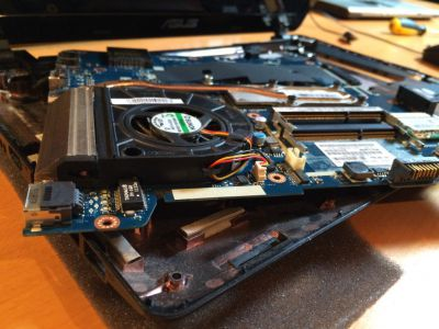 Laptop moederbord replacement